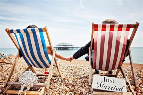 ten super cool beach british seaside themed wedding