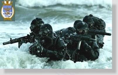 Mergulhadores de combate da Marinha do Brasil.