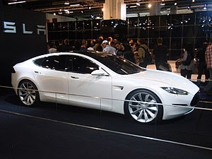 English: Tesla Model S Prototype at the 2009 F...