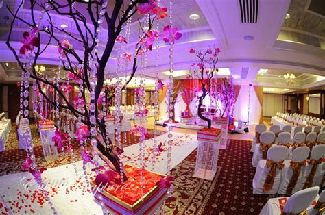 Best Wedding Decorations: Exotic Crystal Wedding Ceremony