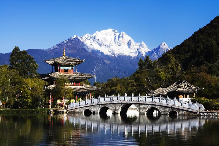 Resultado de imagem para lijiang city china