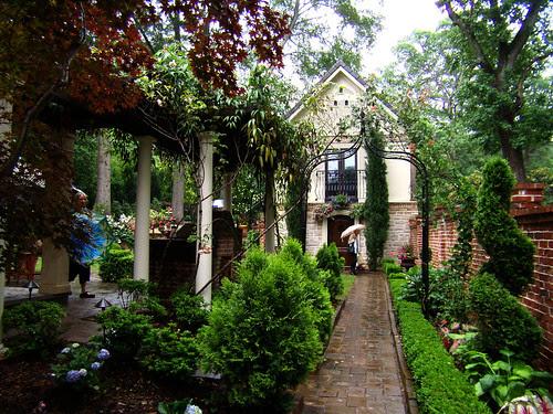 P5170150-Duck-Pond-Garden-Rose-Garden-Best-View