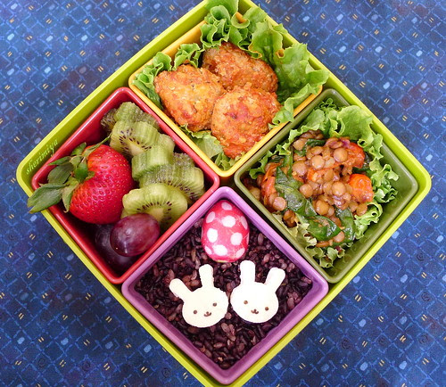 Meatballs and Bunnies Bento by sherimiya ♥