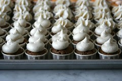 frosted chocolate chai spice cupcakes