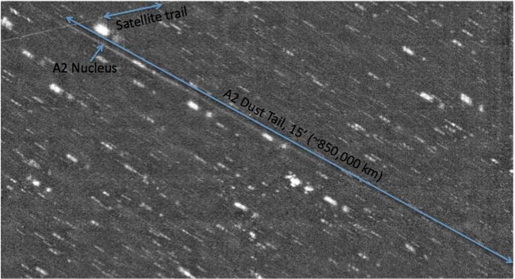 Tiểu hành tinh P/2010 A2 là một trong số ít những tiểu hành tinh có đuôi ở sau.