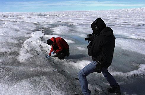 http://climatecrock.files.wordpress.com/2013/06/petecam-122_490.jpg