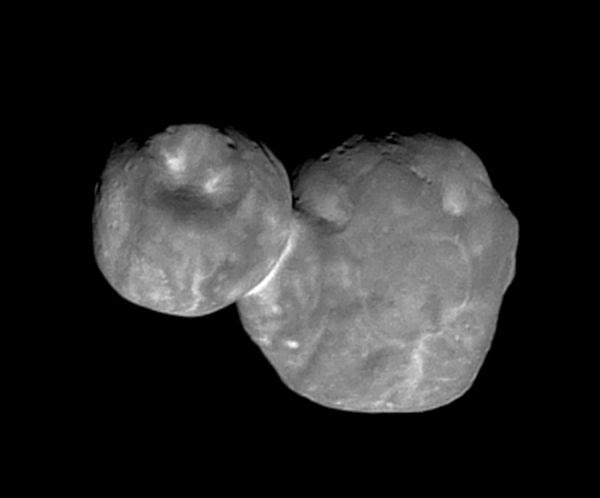 A high-resolution image of the Kuiper Belt object Ultima Thule that was taken by NASA's New Horizons spacecraft from 4,200 miles (6,700 kilometers) away...on January 1, 2019.