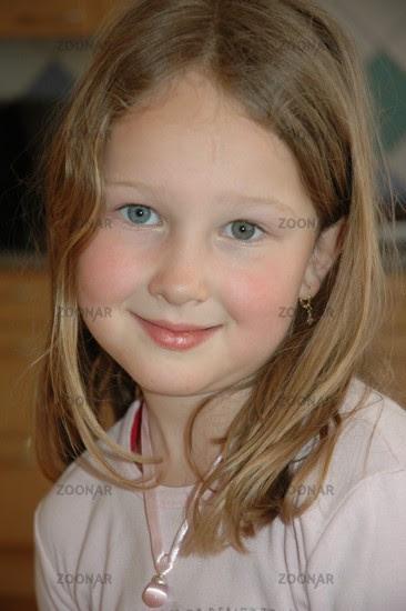 Foto Junges Hübsches Mädchen Bild 340479