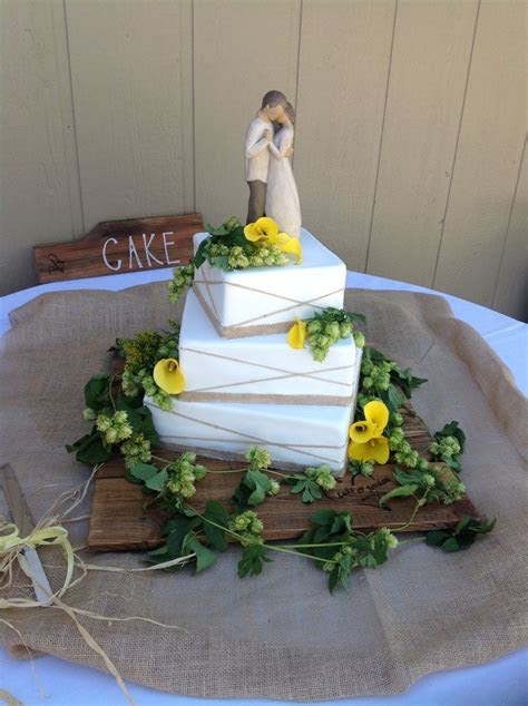 Wedding Cake with Hops   Craft Beer Weddings   Beer