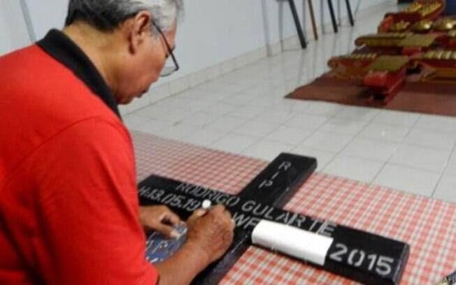 Cruzes com nomes dos condenados foram produzidas com antecedência em Cilacap