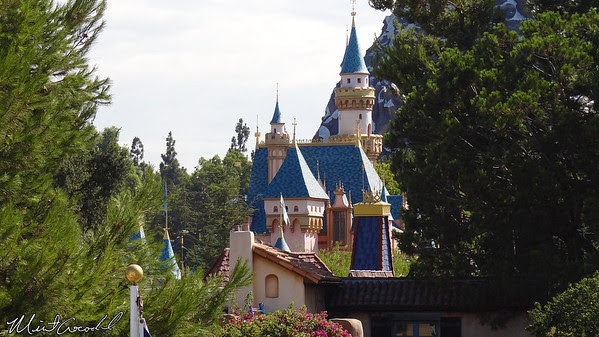 Disneyland, Sleeping Beauty Castle, Mark Twain