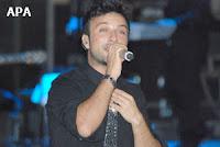 Tarkan on stage in Baku; APA