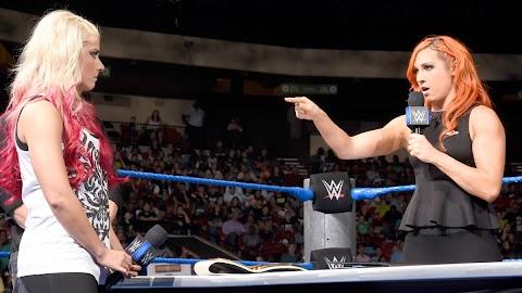 Atualização sobre o retorno de Becky Lynch e Alexa Bliss