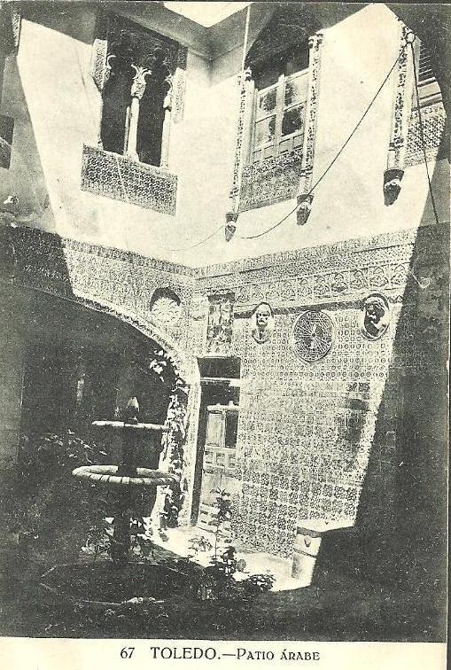 Patio en la calle del Instituto a comienzos del siglo XX