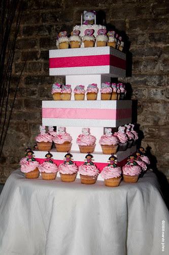 Eleni's custom cupcakes for kid's birthday party