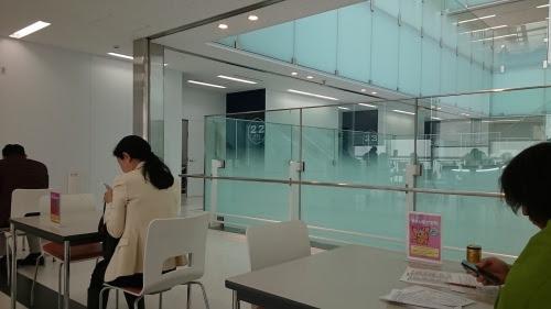 運転免許試験場の食堂