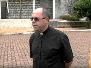 Resultado de imagem para O prefeito reeleito de Campo Belo do Sul, na Serra catarinense, morreu em um acidente na BR-116 na noite de sábado (24). Edilson José de Souza (PMDB),