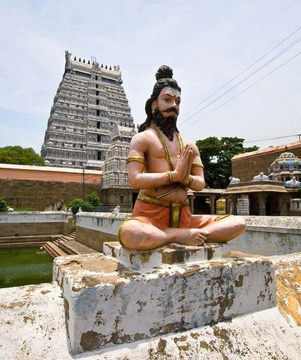 Statue of Arunagirinathar at Tiruvannamalai where he encountered Lord Murugan