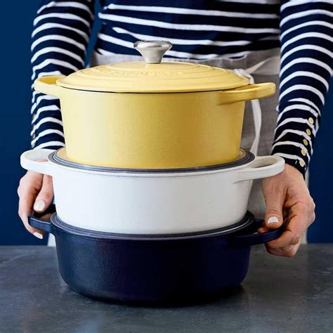 le creuset signature cast iron matte  dutch oven