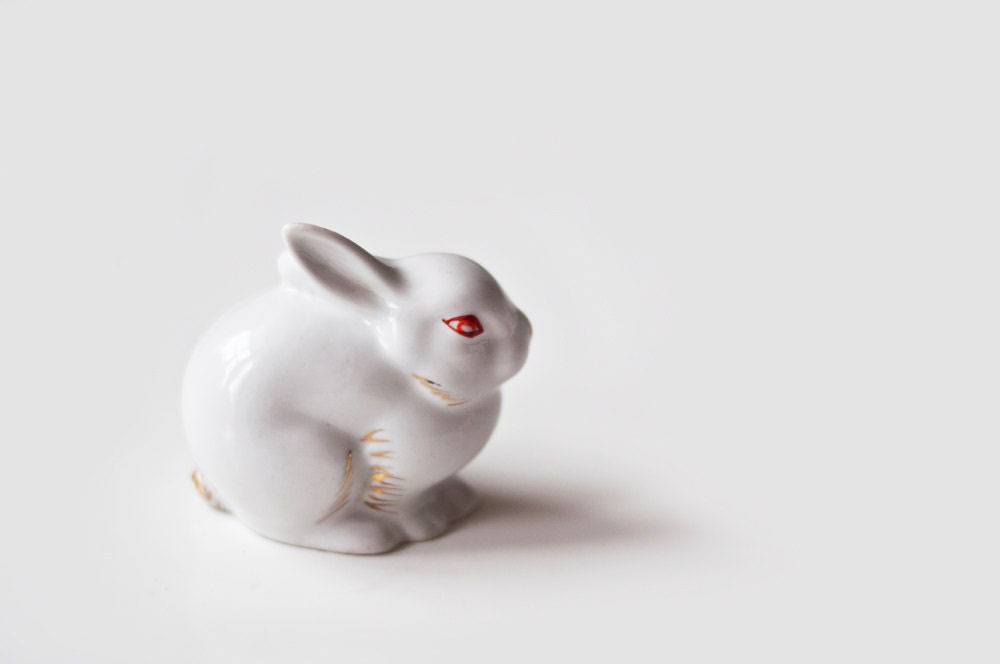 Vintage porcelain rabbit - easter bunny