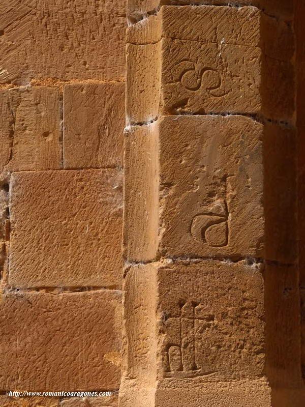 Resultado de imagen de marcas de cantero Monasterio Cisterciense de Santa María de Moreruela