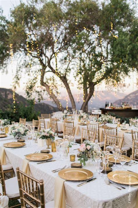 Best 25  Wedding Charger Plates ideas on Pinterest   Round