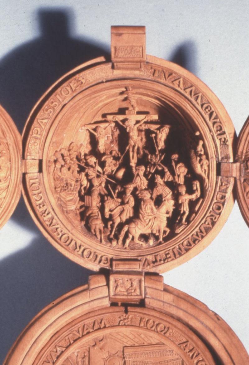 Castanhas de Oração do Século 16 primorosamente esculpidas 15