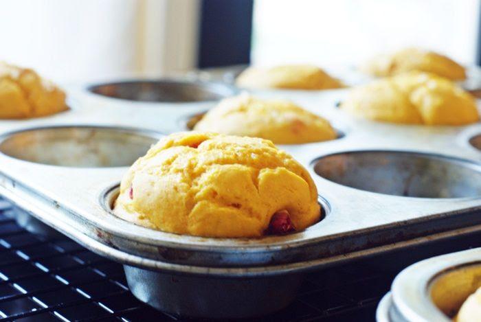 4-ingredient Cranberry Pumpkin Muffins