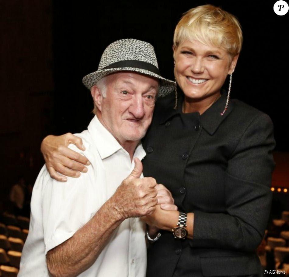 O ex-assistente de palco da TV Globo, Antônio Pedro de Souza, conhecido como Russo, morreu aos 85 anos no dia 28 de janeiro de 2017, vítima de uma embolia pulmonar