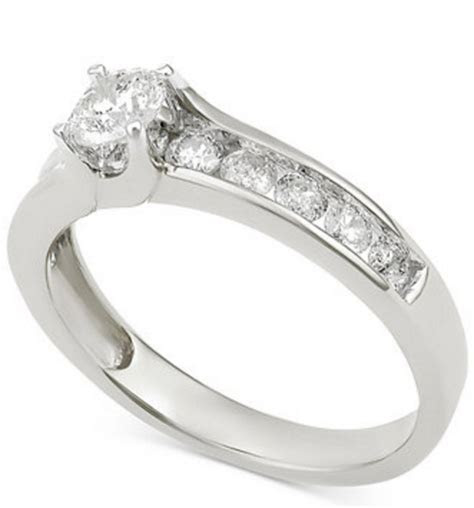 How Much Does An Engagement Ring Actually Cost?   Wheretoget