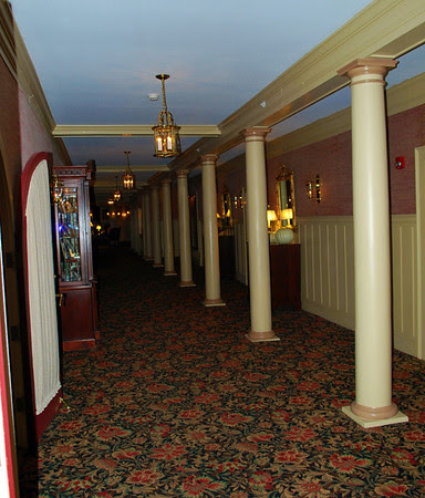 Hallway near the Dodge Parlor