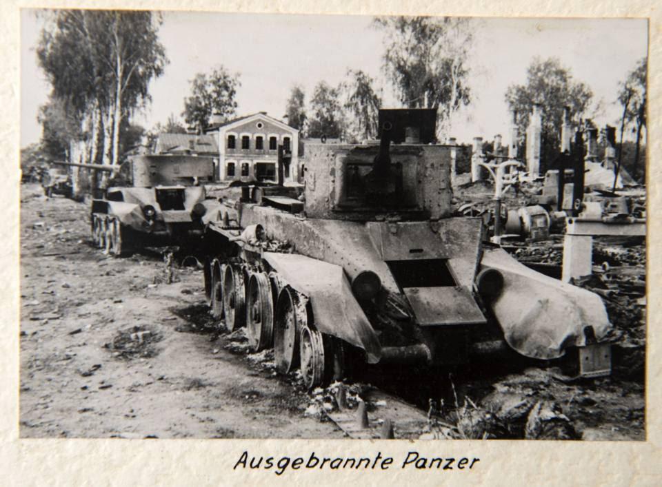 I carri armati sovietici distrutti