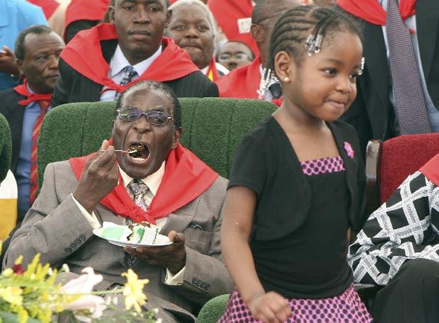 Robert Mugabe, en la fiesta de su cumpleaños
