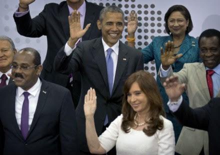Los aires de formalidad terminaron hoy en la Cumbre de las Américas. Foto: AP