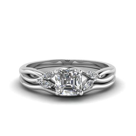 Asscher Cut Twisted Diamond Ring With Matching Curved Band