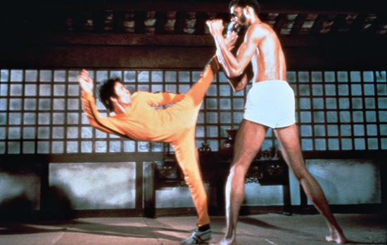 Bruce Lee fights Kareem Abdul Jabbar in a timeless example of good screen fighting.