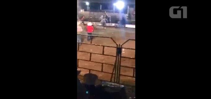 ÚLTIMA RODEIO:  Peão morre pisoteado por touro em rodeio de Rondônia; veja imagens fortes em vídeo