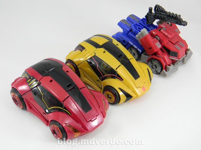 Transformers Cliffjumper Deluxe - Generation War for Cybertron - modo alterno vs otros WFC