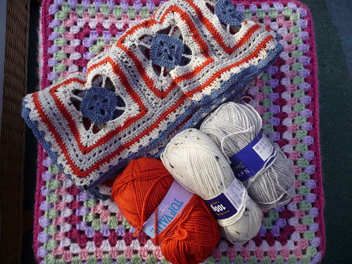 Craftymizz (UK) Has donated a Blanket for SIBOL. I will be doing a proper Ta - dah! When I have made the Butterflies for it!