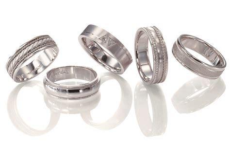 Wedding Bands: Platinum Men Wedding Bands