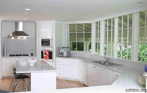Cozinha planejada branca moderna