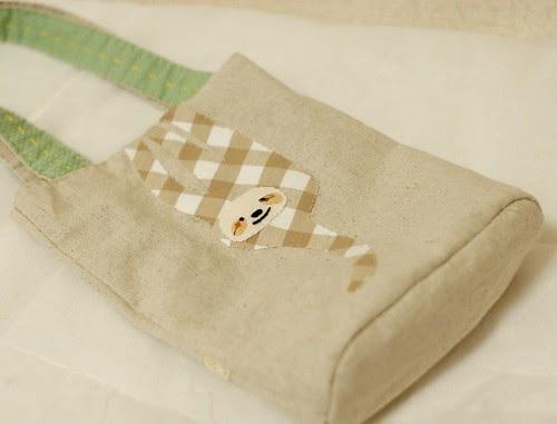 Hanging Sloth hand bag 2