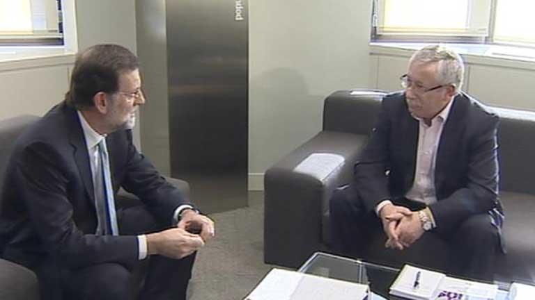 UGT y CCOO piden a Rajoy en la Moncloa que abra un proceso de diálogo social