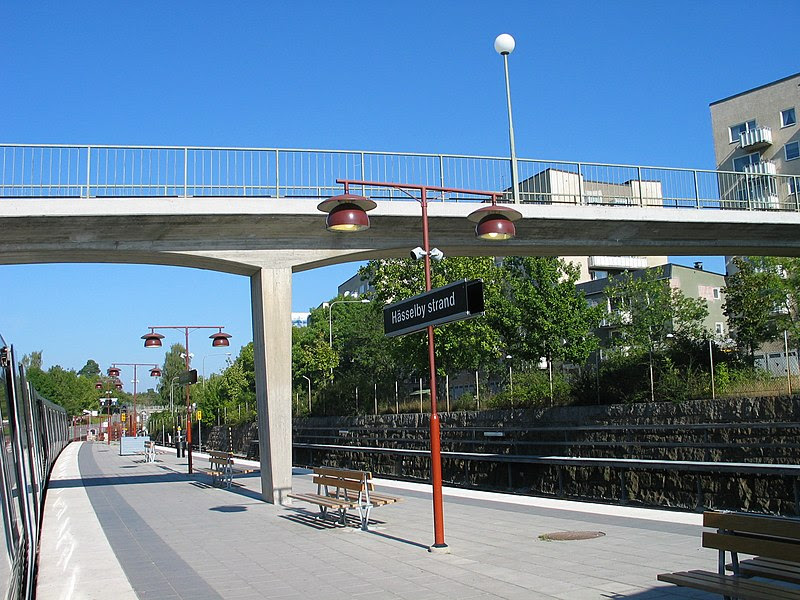 Stockholm subway hässelby strand 20060913 003.jpg