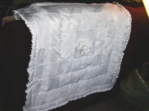 Wedding dress quilt 2005   Products I Love Quilting