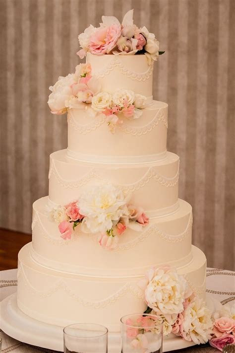Found on WeddingMeYou.com   Floral Wedding Cakes #flowers