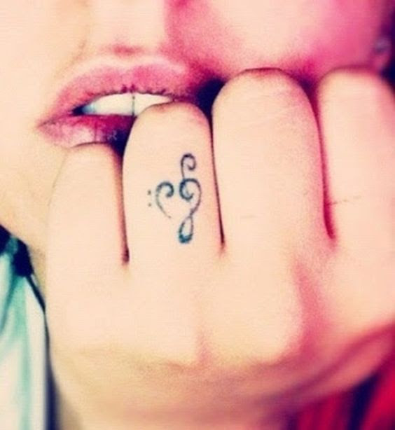 15 Cute Meaningfull Small Tattoos for Girls - Cute Tiny