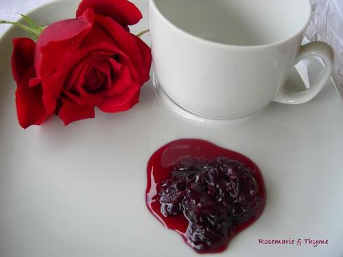 marmellata di rose rosse