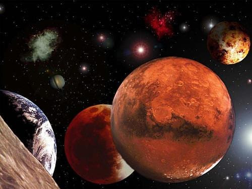http://www.godsoutreachministryint.org/EarthPlanetsMoon.jpg
