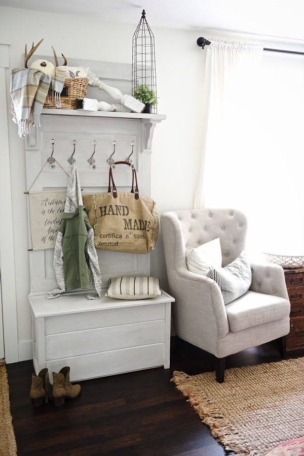 100 DIY Farmhouse Home Decor Ideas - The 36th AVENUE
